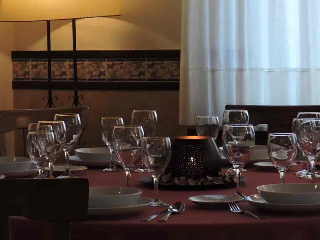 El Sahuco: El hotel rural con encanto en Castilla la Mancha. Descubre El Sahuco un hotel rural incomparable. Por su emplazamiento. Por su gastronomía. Por sus paisajes. Y muy cerquita de Albacete.